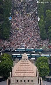 国会前包囲8月30日